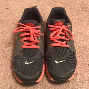 Women's Nike Breathe In Season TR Size: 8.5